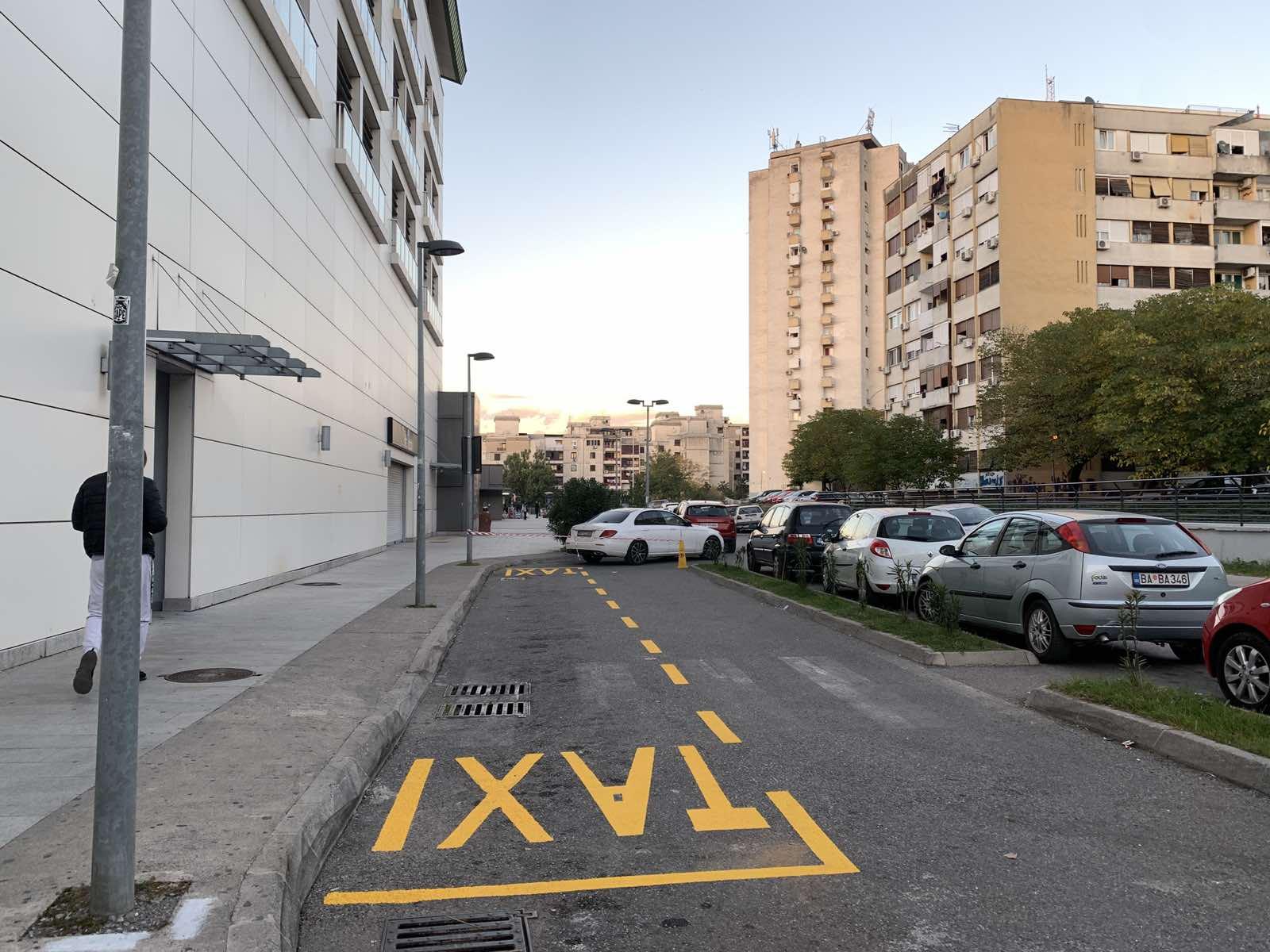 Taksi stajalište na Bulevaru Save Kovačevića izmješteno na lokaciju pored ulaza u garažu TC Mall of Montenegro
