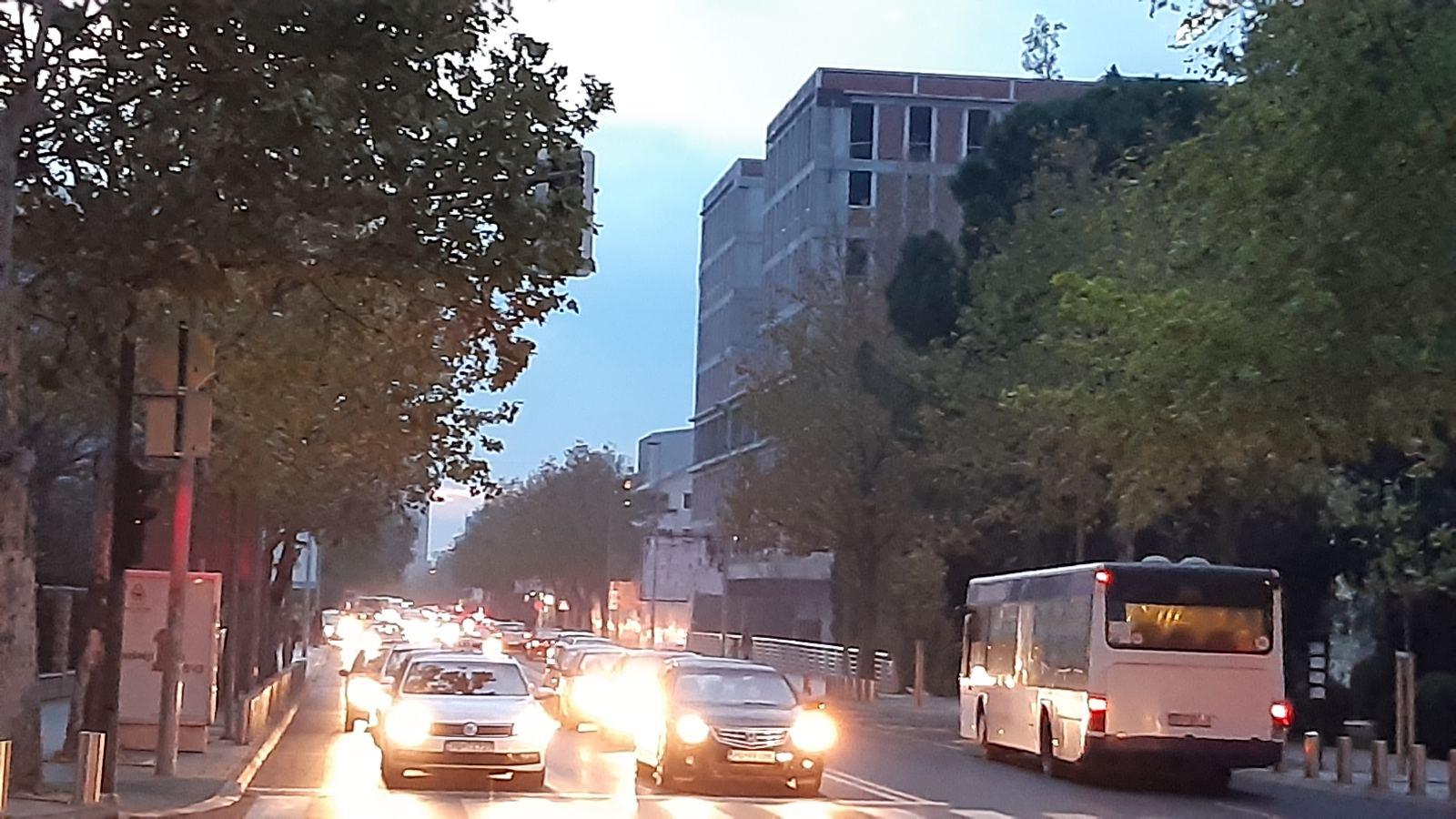 Pojačane kontrole nepropisnog zaustavljanja i parkiranja zbog povećane gužve u saobraćaju
