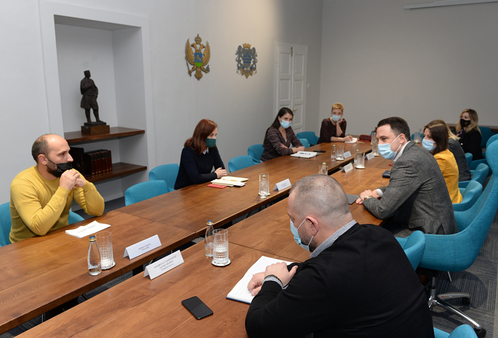 Vuković sa predstavnicima NVO za zaštitu životinja; Formiranjem radne grupe zajednički raditi na poboljšanju odnosa prema kućnim ljubimcima