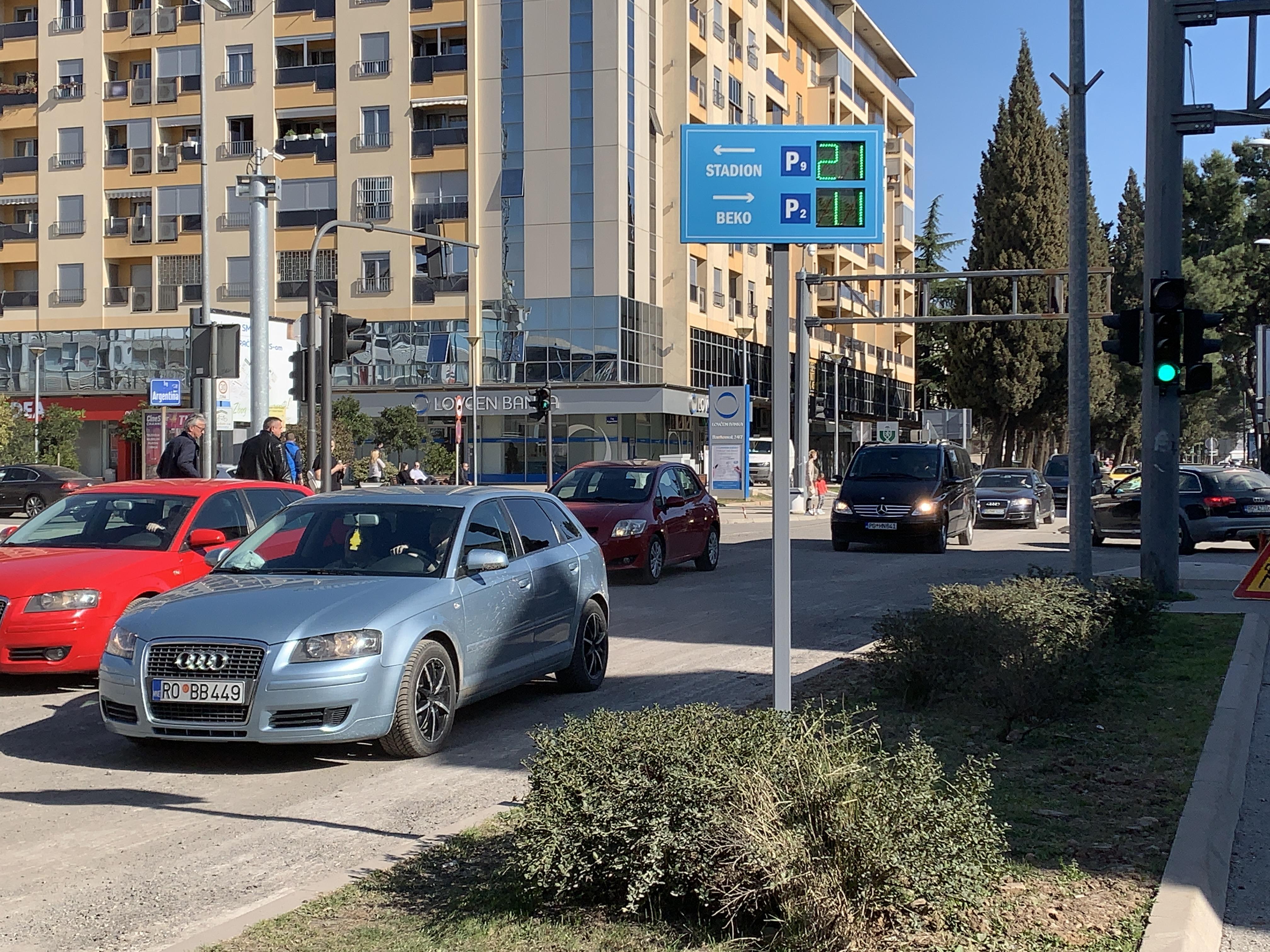 Parking servis Podgorica nastavlja da unapređuje usluge; Info led table o slobodnim parking mjestima postavljene na Bulevaru Ivana Crnojevića